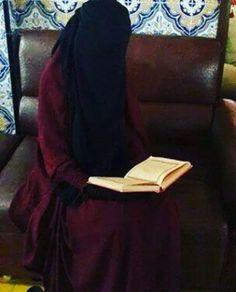 Image in niqab collection by Noorhaliza MN Naufer Arab Girls Hijab, Girl Hijab, Muslim Girls, Islamic Girl Images, Muslim Images, Islamic Pictures, Beautiful Hijab Girl, Beautiful Muslim Women, Hijab Niqab