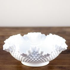 i've got one of these hidden behind pic in my bookshelves from my mom--except it's a candy dish on a pedestal--who would think milk glass would make a comeback? Vintage Dishes, Vintage Glassware, Chuck Brown, Pink Milk, Glass Bowls, Le Diner, Fenton Glass, Opaline, Chocolate Pots