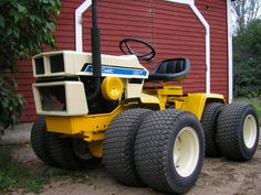 This is the kind of garden tractor I need a 4x4 Diesel