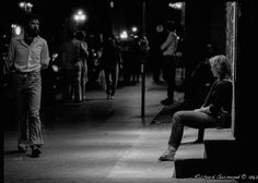 Rue Saint-Denis At Night : Waiting... Montréal, Québec  Photo by Richard Guimond ©1982 19820531 Nikon F2a 50mm f1.4 Tri-X D-76