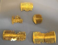 Wood combs (roman age) - Pettini in legno di epoca romana - from Piazza Municipio - Naples, Archaeological Museum | Flickr - Photo Sharing!