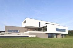 Minimalist House P by Frohring Ablinger Architekten