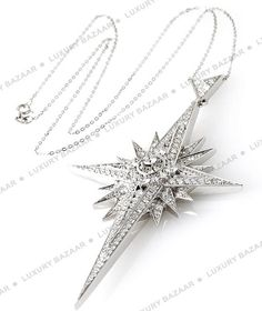 Asprey white gold and diamond Star Pendant -would be beautiful as a Christmas gift Star Jewelry, I Love Jewelry, Body Jewelry, Jewelry Box, Unique Jewelry, Vintage Jewelry, Fine Jewelry, Jewelry Necklaces, Jewelry Design