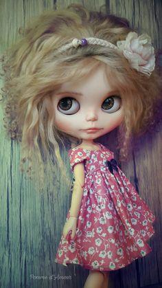 Lilith Bohême.  Blythe custom & Dress by Pomme D'Amour Little Darling Dolls.   https://www.etsy.com/fr/shop/PommedAmourDolls?ref=seller-platform-mcnav