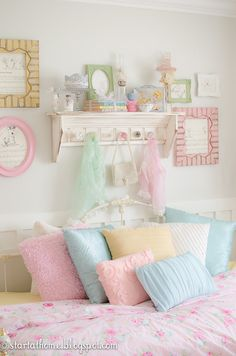 I want this room. What? It's not like I only want it for all of the pastels!  Ok, maybe I do. Just a little bit...
