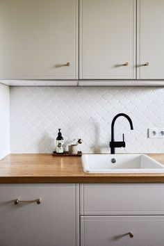 Sand colour and Classic fronts on IKEA base as always. Ikea Kitchen Cabinets, Kitchen Cabinet Colors, Kitchen Colors, Colour Story, Built In Refrigerator, Open Plan Kitchen, Kitchen Styling, Kitchen Inspiration, Colorful Decor
