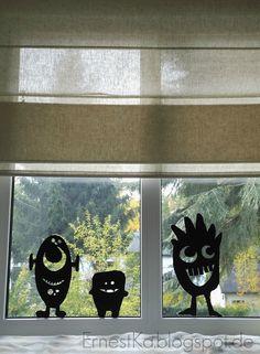 Halloween-Fensterdeko-Monster  http://ernestka.blogspot.de/2015/10/hallo-und-happy-halloween.html
