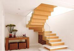 Resultado de imagem para aparador escada
