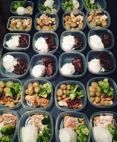 Four days of prep are complete for _aj_fitness_! This power couple has chicken beef salmon broccoli potatoes and rice! - Prep together and save even more time and money! Download @mealplanmagic to create customized plans for 2 that generate combined grocery lists! - ALL-IN-ONE TOOL & GUIDES -  Build Custom Plans & Set Nutrition Goals  BMR BMI & Max Rate Calculator  Learn Your Macros by Body Type & Goal  Grocery Lists Automated to Weekly Needs  Accurate Cooking and Prep Summaries  Combine…