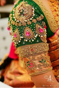 South Indian Blouse Designs for a Royal Bridal Look Wedding Saree Blouse Designs, Pattu Saree Blouse Designs, Fancy Blouse Designs, Blouse Neck Designs, Wedding Blouses, South Indian Blouse Designs, Stylish Blouse Design, Designer Blouse Patterns, Fashion Looks