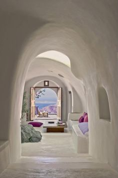 Perivolas Hotel in Santorini, Greece. I think I could just spend forever Hotel hopping in Santorini I'm staying in a new hotel every night, and never get bored! I love how so many of the Santorini hotels have that cave style Santorini Greece, Santorini Island, Greece Hotels, Luxury Hotels, Santorini House, Santorini Travel, Crete Greece, Sustainable Architecture, Cob Houses