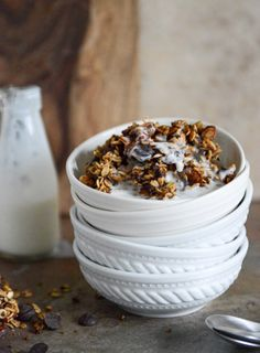 Crunchy Quinoa, Toasted Almond and Dark Chocolate Brown Butter Granola | howsweeteats.com