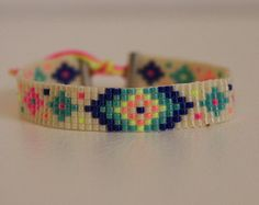 Bracelet Inca motif woven miyuki beads by Lapetitemarseillaise Bead Loom Bracelets, Beaded Bracelet Patterns, Woven Bracelets, Jewelry Patterns, Seed Bead Jewelry, Bead Jewellery, Seed Bead Patterns, Beading Patterns, Making Jewelry For Beginners