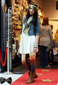 Bucharest style captures the best street style in Bucharest, features events and going out places in Bucharest but also shows worlwide travel tips Cool Street Fashion, Street Style, Meli Melo, Bucharest, Creative People, Dress To Impress, Going Out, Hollywood, Events