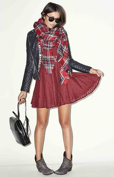 RAGA x DAILYLOOK Lace Fit and Flare Dress in Burgundy XS - L   DAILYLOOK