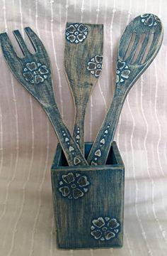 Mira este artículo en mi tienda de Etsy: https://www.etsy.com/es/listing/250492924/set-of-3-wooden-spoon-wooden-fork