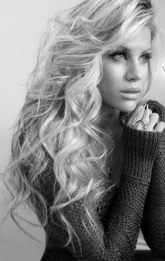 Full curls, full volume, big hair, curly, big curls, volume, blonde, style, hairstyle, stylist, hairstylists, hairstyles, long hair
