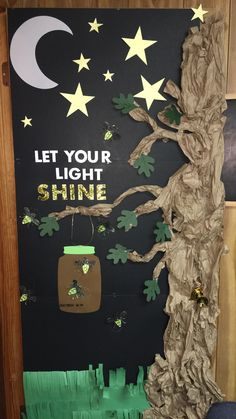 Trendy classroom door decorations camping bulletin boards Ideas - New Deko Sites Camping Bulletin Boards, Preschool Bulletin Boards, Classroom Bulletin Boards, Preschool Classroom, Classroom Themes, Preschool Activities, Camping Theme For Classroom, Forest Theme Classroom, Bulletin Board Ideas For Church