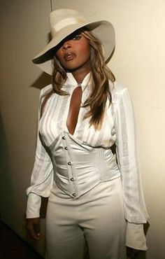 Mary J. Blige - QUEEN OF HIPHOP SOUL<3