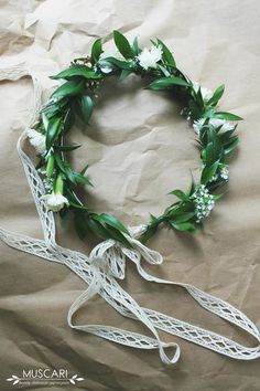 Wianki ze świeżych kwiatów | Muscari Wedding Wreaths, Wedding Flowers, Wedding Dresses, Weeding, Flower Crown, Wedding Hairstyles, Our Wedding, Pretty, Pattern