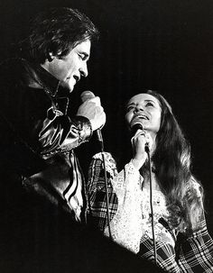 Johnny Cash and June Carter June And Johnny Cash, June Carter Cash, Country Music Artists, Country Singers, John Cash, Musica Country, Jerry Lee Lewis, Carter Family, Famous Couples