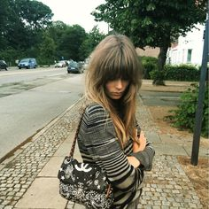 3 Ways To Rock Bangs Like A Model - Full Fringe Amp up the volume with thick, full bangs à la Caroline Brasch. The Bardot-inspired style will add instant retro appeal to your look. Haircuts With Bangs, New Haircuts, Bardot Bangs, Bardot Fringe, Honey Brown Hair, Look 2018, Brunette Hair, Hair Today, Pretty Hairstyles