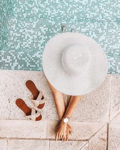 - don't let anyone know - Poolside Summer Vibes Beach Aesthetic, Summer Aesthetic, Summer Photography, Photography Poses, Photography Lighting, Lifestyle Photography, Street Photography, Landscape Photography, Nature Photography