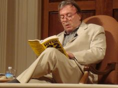 """Christopher Hitchens Didn't """"Contemplate Conversion"""" on His Deathbed"""