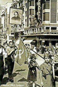 Desfile por la Gran Vía