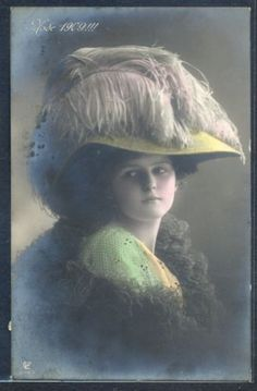 PM044-HIGH-FASHION-MODE-1909-BEAUTIFUL-LADY-FEATHER-HAT-Tinted-PHOTO-pc-GL-Co