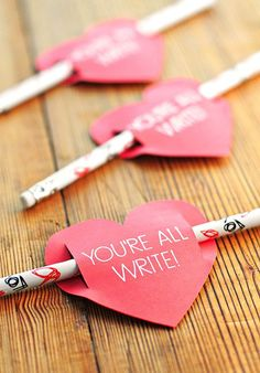 Printable Valentines that a perfect for kids and classrooms! Valentine's Day is fast approaching and I'm sharing some fun and clever valentine's ideas and free printables today. My Funny Valentine, Kinder Valentines, Valentine Day Crafts, Valentine Ideas, Printable Valentine, Homemade Valentines Day Cards, Straw Valentine, Handmade Valentine Gifts, Valentine Decorations