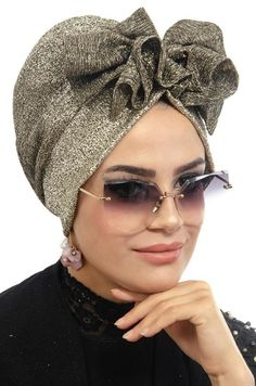 to to to the Hijab Models 20 Mode Turban, Turban Hat, Head Wraps For Women, Hats For Women, Hijab Evening Dress, Evening Dresses, Head Scarf Styles, Fancy Hats, Turban Style
