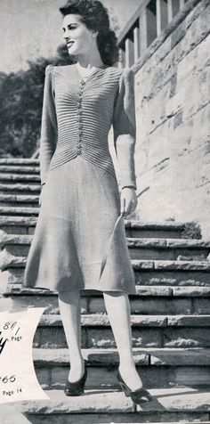 This pattern was originally published in and early 1940s Sunglo knitting book. Measurements: length from top of shoulder; 43; bust 32/34; length