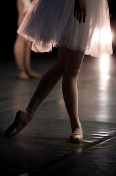 Ballet, something peaceful about this picture. :)