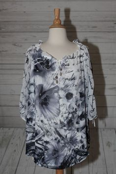 STYLE & CO. SZ M WHITE BLUE FLORAL 3/4 SLEEVE DRESS TOP BLOUSE SHIRT BEADED  #Styleco #Blouse #Casual