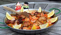 Paella kan op heel veel manieren gemaakt worden! #Spanje    http://www.ah.nl/allerhande/#/recepten/951560/paella/?rq=paella