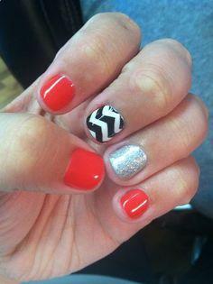 Accent nails! FINALLY some cute SHORT nails! Repin for them short nail ladies!!!