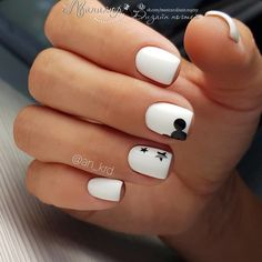 51 Cool Summer Short Nails Art Ideas For 2018 Do you want to look and feel special during the summertime? Do you want to create the summer-like mood around yourself? Choose summer nail designs that best describe your dynamic personality and live . Stylish Nails, Trendy Nails, Cute Acrylic Nails, Fun Nails, Mickey Nails, Disney Gel Nails, Simple Disney Nails, Disney World Nails, Disney Halloween Nails