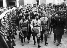Fascism is a political and social movement that was born in Italy at the hands of Benito Mussolini after the end of the First World War. Curious Facts, Anarchism, Fun World, World History, First World, 21st Century, Definitions, The Twenties, Rome