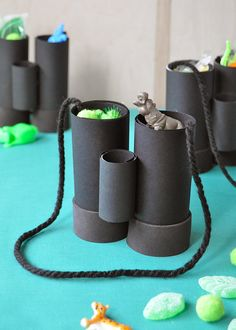 DIY Jumanji Movie Night Paper Binocular Party Favors! #PartyFavors #SonyPictures #Jumanji #FamilyNight #KidsParty #BirthdayPartyIdeas