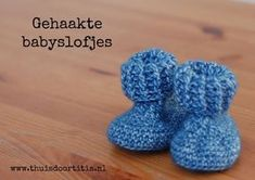 Gratis patroon voor gehaakte babyslofjes #haken #baby #slofjes