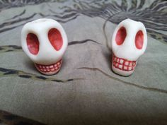 Dread Bead 'Murder and Skully' Skull Glow in by MystiquesSundries, €6.00