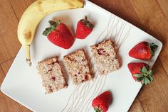 Vegan Banana Strawberry Oatmeal Squares  They're om-nom-nom-tastic. And super healthy too! Makes 8 squares at 70 calories each.