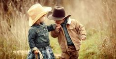 adorable little cowboy and cowgirl Little Cowboy, Cowboy And Cowgirl, Cowboy Hats, Cowboy Baby Names, Cowgirl Baby, Cowgirl Style, Country Girl Quotes, Country Girls, Country Life