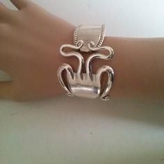 """Bracelet fourchette articulé """"scorpion """"  perles, , unique, bijoux original                                                                                                                                                     Plus"""