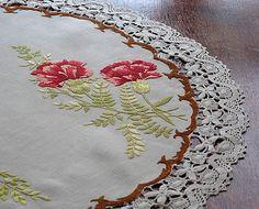 Em's Heart Antique Linens -Antique Society Silk Embroidered Tea Cloth Centerpiece