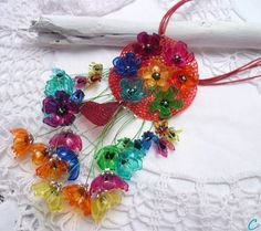 791b0d0c1bc1 make love ..recycling plastic bottle jewelry Ganchillo