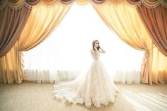 Wedding dress shopping is an experience every future bride dreams of. But before you get to ahead of yourself and start the search for the perfect wedding dress, here are 8 tips and advice for the newly engaged bride to make the journey an enjoyable one. White Bridal Dresses, White Gowns, Neutral Wedding Colors, Luxury Curtains, Country Wedding Decorations, Ceremony Decorations, Boho Stil, Wedding Dress Shopping, Plus Size Wedding