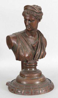 Diana von Versailles, Gebrüder Gienanth, Eisenkunstguss, braun gefasst, 19. Jh…
