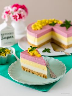 A refreshing fridge cake made from three layers of smoothie, a biscuit base . - A refreshing fridge cake made from three layers of smoothie, a biscuit base and mango salsa - Mango Salsa, Lassi Recipes, Smoothie Recipes, Smoothies, Fridge Cake, Plum Cake, Easy Cake Recipes, No Bake Cake, How To Make Cake